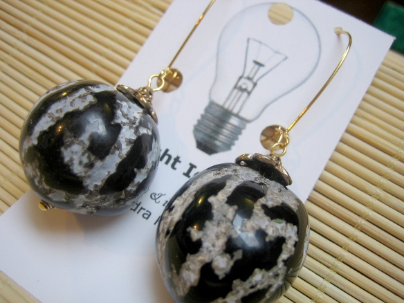 Hawaiian kukui nuts and brass with 18K gold plated earwires